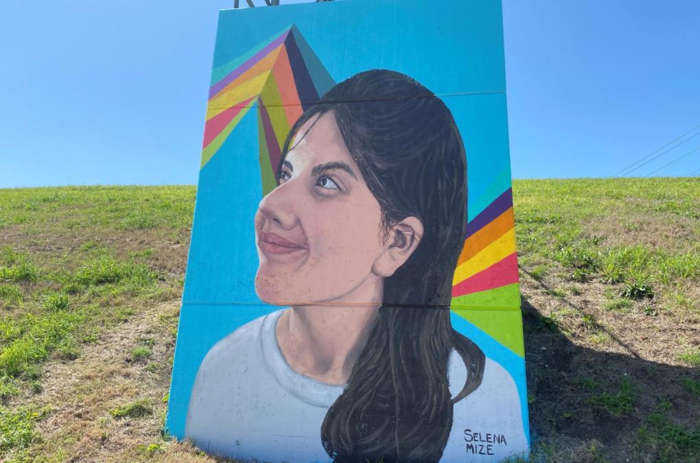 Painting the River: Selena Mize